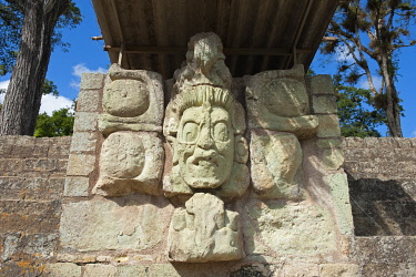 HON0052 Central America, Honduras, Copan Ruins, Mayan archeological site, Copan Ruins, Unesco World Heritage site; carved face statue