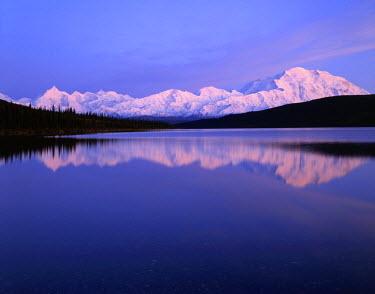 US02_GRE0017_M USA, Alaska, Sunset, Wonder Lake, Reflection, Mount McKinley, Denali National Park