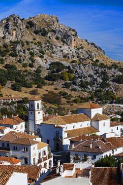ES05737 Spain, Andalucia Region, Cadiz Province, Grazalema, elevated village view