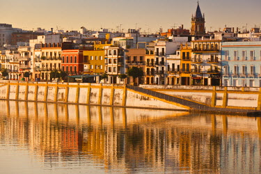 ES05679 Spain, Andalucia Region, Seville Province, Seville, Waterfront view along the Rio Guadalquivir River of the Triana area