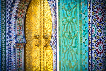 MC02560 Royal Palace Door, Fes, Morocco