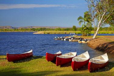 AU01_DWA4189_M Canoes, Kimberleyland Holiday Park, Lily Creek Lagoon, Lake Kununurra, Kununurra, Kimberley Region, Western Australia, Australia