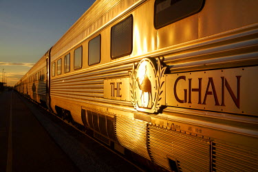 AU01_DWA4531_M Last light on Ghan Train, Katherine, Northern Territory, Australia