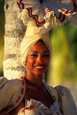 CA11_NWH0003_M Caribbean, Cuba, Isla de la Juventud. Dancer in a traditional costume (MR)