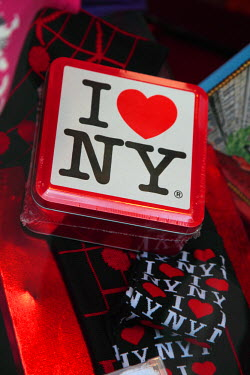 US33_BBI0001_M USA. New York. New York City. Souvenirs with I love NY for sale in a gift shop in Rockefeller Center