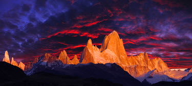 ARG1920AW Mount Fitzroy at sunrise, Andes Mountains, Patagonia, Argentina