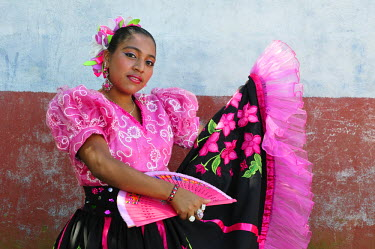 NIC0119AW Girl in traditional dress in Catarina, Nicaragua, CentralAmerica