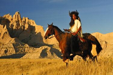 USA8406AW Lakota Indians in the Badlands of South Dakota, USA MR