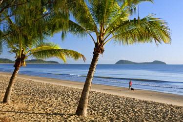AUS1767 Australia, Queensland, Cairns.  Kewarra Beach at dawn with Double Island in background.