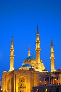 LEB0016AW Lebanon, Beirut. Mohammed Al-Amin Mosque at dusk.