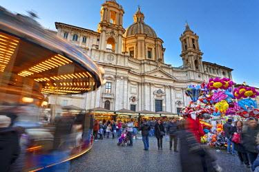 ITA1148AW Piazza Navona, christmas fair, Rome, Lazio, Italy, Europe.