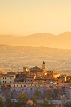ITA1177AW Italy, Umbria, Perugia district, Giano dell'Umbria.