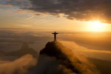 BZ01246 Statue of Jesus, known as Cristo Redentor (Christ the Redeemer), on Corcovado mountain in Rio de Janeiro, Brazil