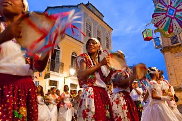 BZ02132 Christmas procession & carnival, Pelourinho, Salvador, Bahia, Brazil