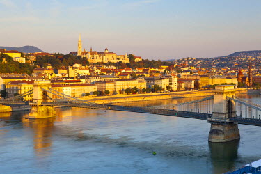 HU01306 Fisherman's Bastion, The Chain Bridge & River Danube illuminated Sunrise, Castle Hill, Budapest, Hungary