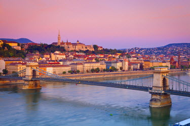 HU01307 Fisherman's Bastion, The Chain Bridge & River Danube illuminated at Dawn, Castle Hill, Budapest, Hungary