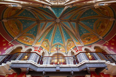 UK10560 The Grand Staircase, St. Pancras Hotel, London, England, UK