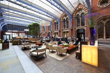 UK10557 St. Pancras Hotel, London, England, UK