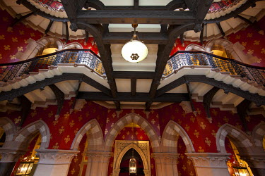 UK10558 The Grand Staircase, St. Pancras Hotel, London, England, UK
