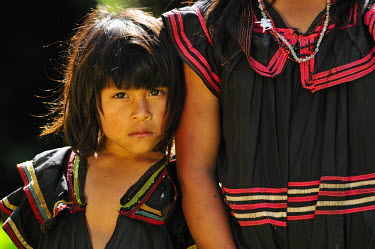 PAN0046AW Young native girl of Ngobe Bugle at Las Terras Altas, Panama, Central America