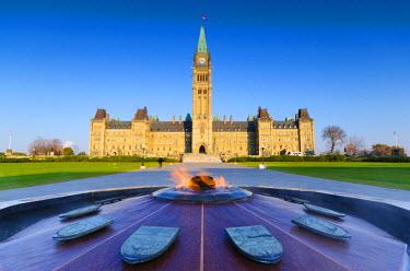 CA03164 Canada, Ontario, Ottawa, Canadian Parliament, Centre Block, Peace Tower and The Centennial Flame (La Flamme du Centenaire)