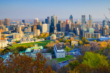 CA04104 Canada, Quebec, Montreal. Downtown from Mount Royal Park or Parc du Mont-Royal