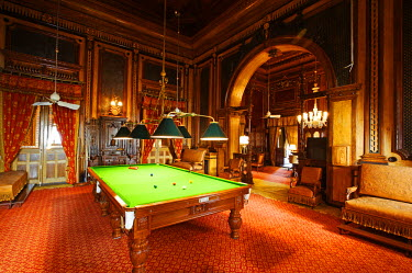 IND6865 India, Andhra Pradesh, Hyderabad. The Billiards Room at the Falaknuma Palace Hotel.