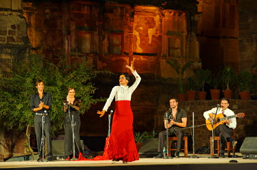 IND6907 India, Rajasthan, Jodhpur. A Spanish flamenco troupe perform in the former zenana enclosure of Mehrangarh Fort during the Rajasthan International Folk Festival