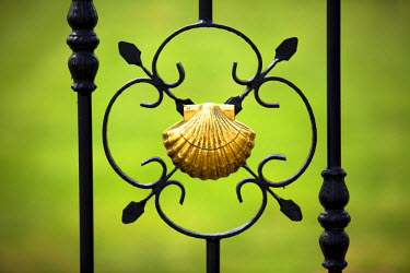 SPA4462 Spain, Galicia, Camino Frances, The shell, the most recurring symbol of the Camino