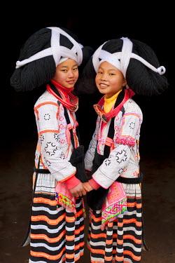 CN06370 Long Horn Miao, Sugao, Guizhou Province, China