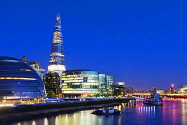 TPX32039 England, London, Southwark, The Shard and More London Develpment