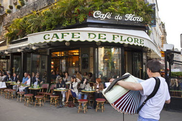 HMS574022 France, Paris, St Germain des Pres, the Cafe de Flore
