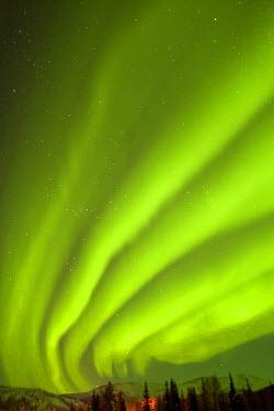 US02BJY0005 USA, Alaska, Fairbanks, Chena Hot Springs Lodge. Aurora borealis or northern lights fill the night sky