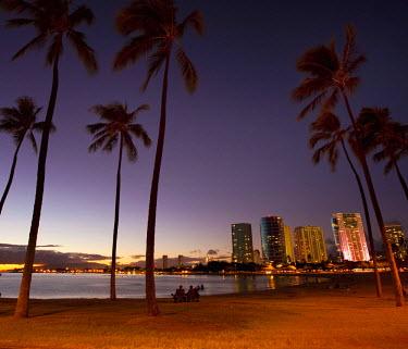 US12DPB2396 Ala Moana Beach Park, Waikiki, Honolulu, Oahu, Hawaii, USA