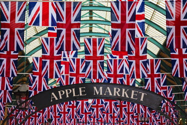 ENG10515 England, London, Covent Garden.  The covered market decorated with Union Jack flags, celebrating HM The Queen's Diamond Jubilee.