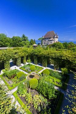 HMS638207 France, Haute Savoie, Le Chablais, Yvoire, Lake Geneva, labelled Les Plus Beaux Villages de France (the Most Beautiful Villages of France), the 14th century castle and labyrinth of the Garden of Five...