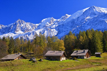 HMS488084 France, Haute Savoie, Les Houches, hamlet of high mountain pasture of Charousse with view on Massif du Mont Blanc and the Mont Blanc (4810m)