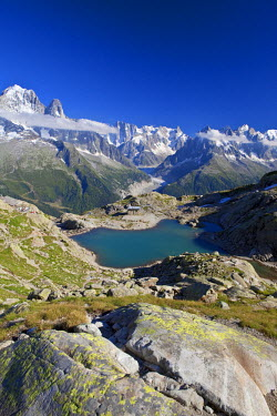 HMS463215 France, Haute Savoie, Chamonix Mont Blanc, former refuge and lac Blanc (2352m) in the Reserve naturelle nationale des Aiguilles Rouges (Aiguilles Rouges National Nature Reserve) with a view on the Mer...