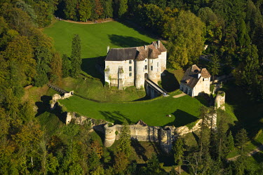HMS336301 France, Eure, Chateau d'Harcourt, 12th century fortress (aerial view)