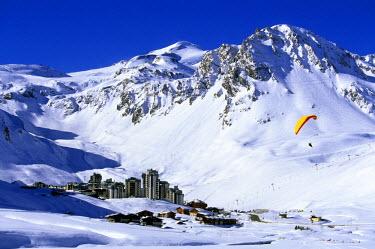 HMS165388 France, Savoie, Tignes ski resort and the Grande Motte mountain