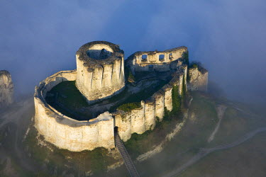 HMS336286 France, Eure, Les Andelys, Chateau Gaillard, 12th century fortress built by Richard the Lionheart (aerial view)