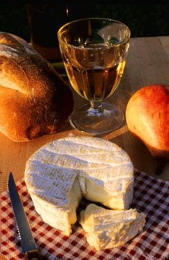 HMS101821 France, Seine Maritime, Camembert Cheese and Normandy Cider
