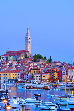 CR03045 Croatia, Istria, Rovinj, harbour and Cathedral of St. Euphemia