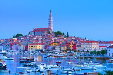 CR03048 Croatia, Istria, Rovinj, harbour and Cathedral of St. Euphemia