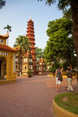 VN02217 Tran Quoc Pagoda, West Lake (Ho Tay), Hanoi, Vietnam