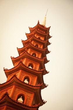 VN02223 Tran Quoc Pagoda, West Lake (Ho Tay), Hanoi, Vietnam
