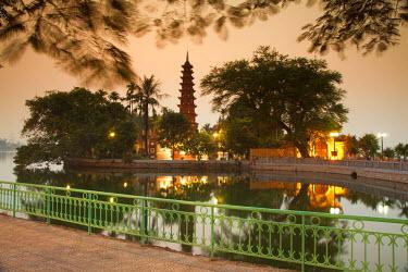 VN02236 Tran Quoc Pagoda, West Lake (Ho Tay), Hanoi, Vietnam
