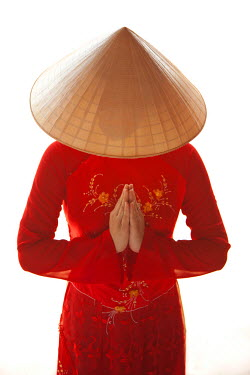 VN02160 Girl wearing Ao Dai dress, Hanoi, Vietnam (MR)