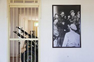 CB01181 Cuba, Matanzas Province, Central Australia, Museo de la Comandancia, museum of the Cuban defense of the US CIA led 1961 Bay of Pigs Invasion, Fidel Castro and anti-aircraft machine gun