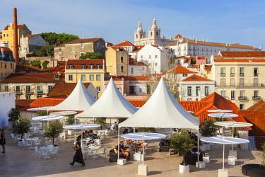 PT01276 Cafe & restaurant, Alfama district, Lisbon, Portugal